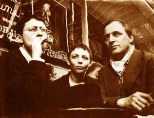 Οι Guy Debord, Michelle Bernstein και Asger Jorn στο Παρίσι το 1961