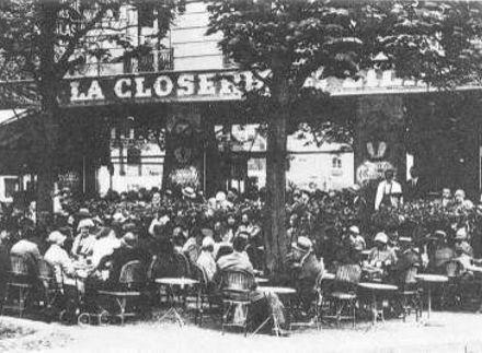 1922: Σύναξη ντανταϊστών στο καφενείο Closerie des Lilas στο Παρίσι, με αντικείμενο τη διαμάχη μεταξύ του Αντρέ Μπρετόν και του Τρσταν Τζαρά για την αρχηγία του κινήματος. Παρίστανται περίπου 100 θιασώτες του ντανταϊσμού, ανάμεσά τους οι Πάμπλο Πικάσο, Ανρί Ματίς, Κονσταντίν Μπρανκούζι και Ζακ Κοκτό. Οι δύο αντίπαλοι ανταλλάσσουν επιχειρήματα, αλλά και ύβρεις, ώσπου ο επιδιατητής Ερίκ Σατί ανακηρύξει νικητή τον Τζαρά. Ο Μπρετόν θα αποχωρήσει και θα δημιουργήσει τον σουρεαλισμό.
